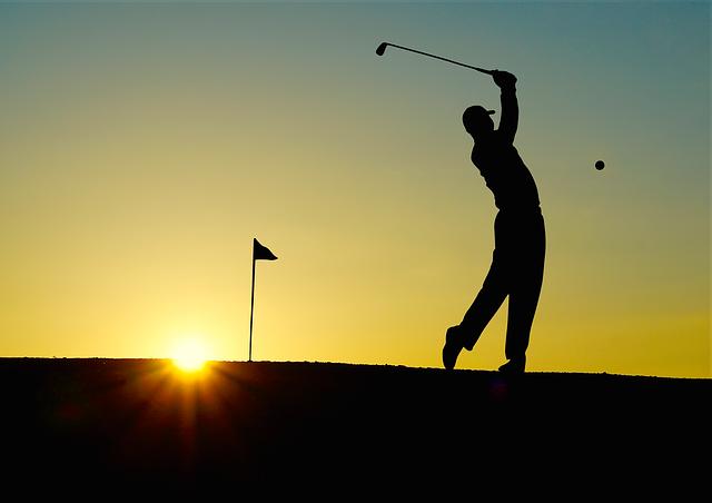 Comment taper les bois au golf ?